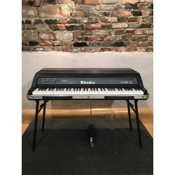 Rhodes mk V in PERFECT condition MARK 5